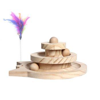 Drewniana zabawka dla kota z piłkami i piórkiem